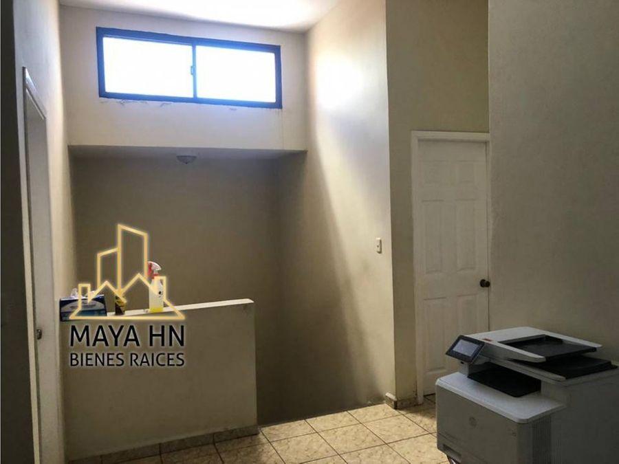 se vende casa en residencial altos de venecia
