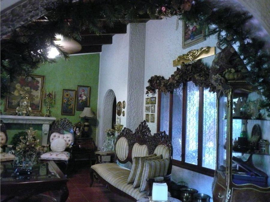 se vende casa en la colonia los castanos sur