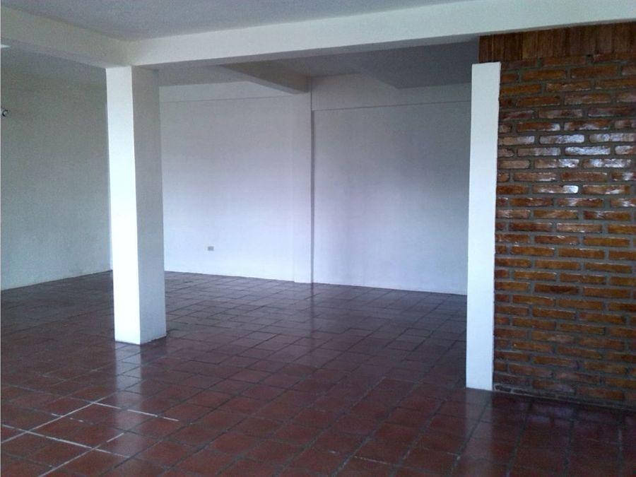 se vende casa en la residencial planes el guijarro