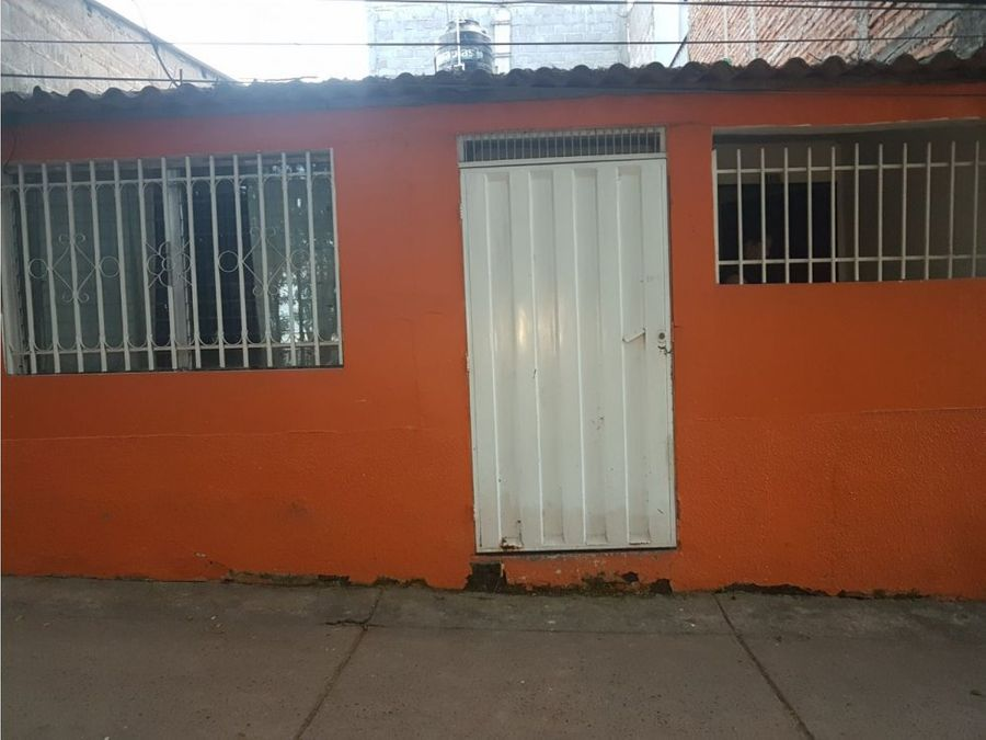 se vende casa en colonia el hato