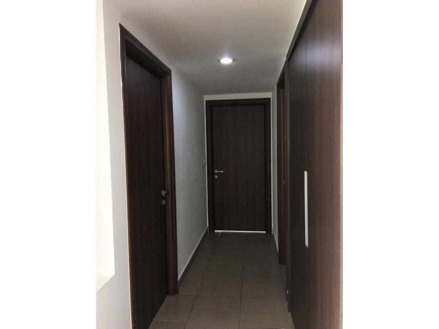 se alquila apartamento en green tower