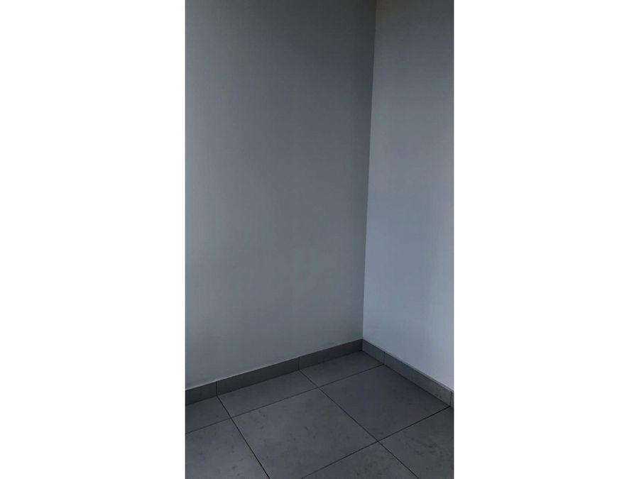 se alquila apartamento amueblado en torre platinun
