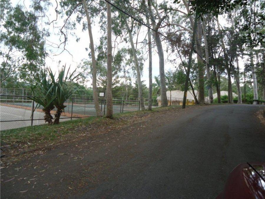 se vende lote de terreno en villa elena