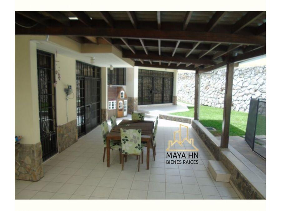 se vende o se alquila casa en col lomas del mayab