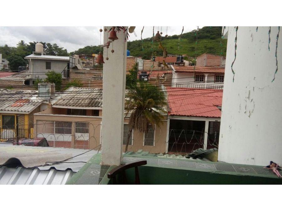se vende casa en residencial loarque tegucigalpa