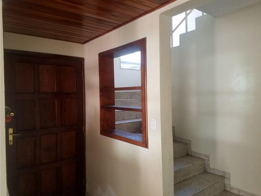 se alquila casa en residencial casavola