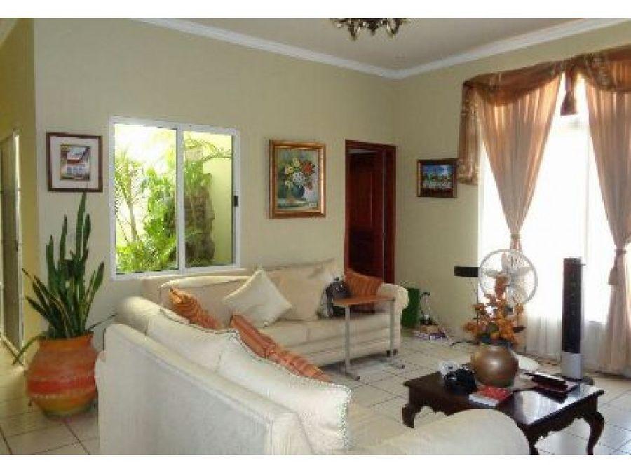 se vende casa en comayagua
