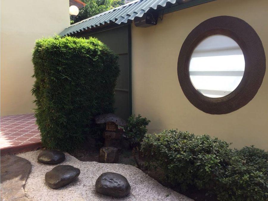 se alquila casa en colonia miramontes