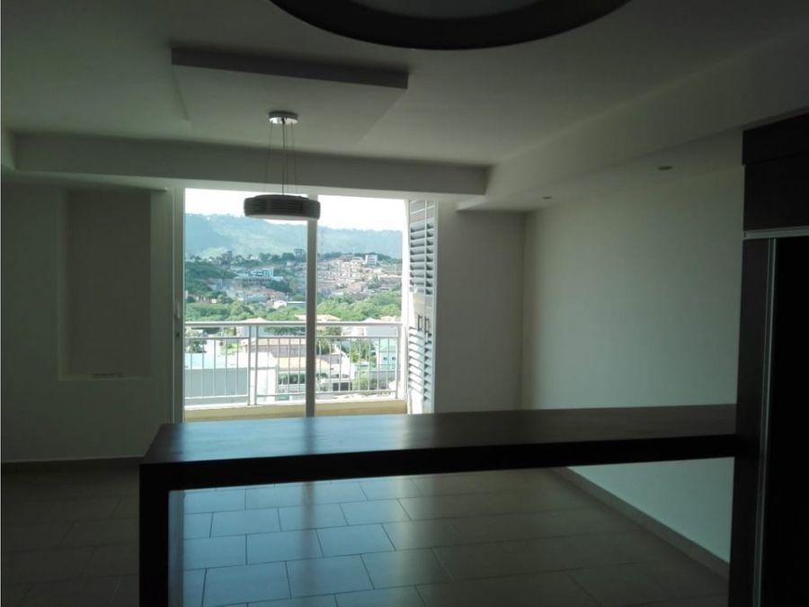 se alquila precioso apartamento en green tower