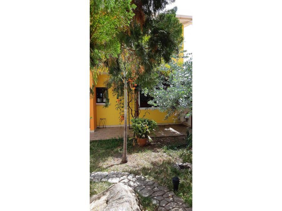 se alquila casa en residencial loma verde