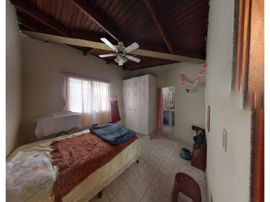se vende casa en residencial los robles
