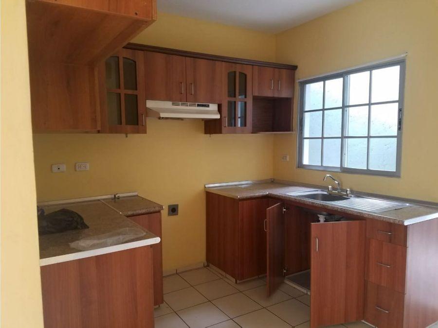 se vende casa en res el molinon