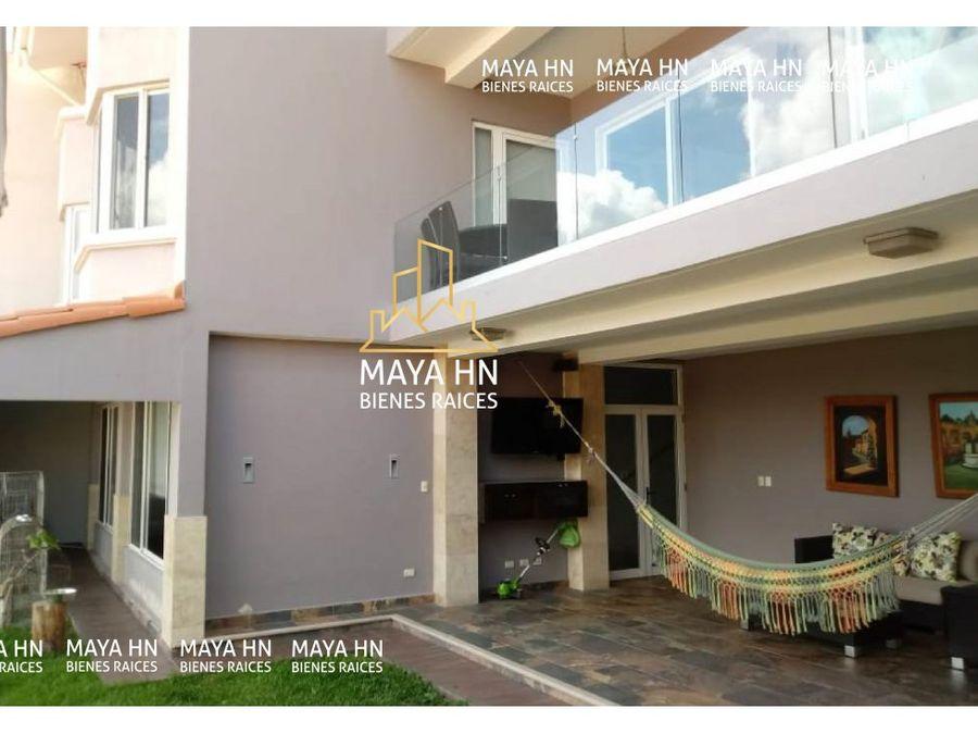 se vende moderna casa en loma verde