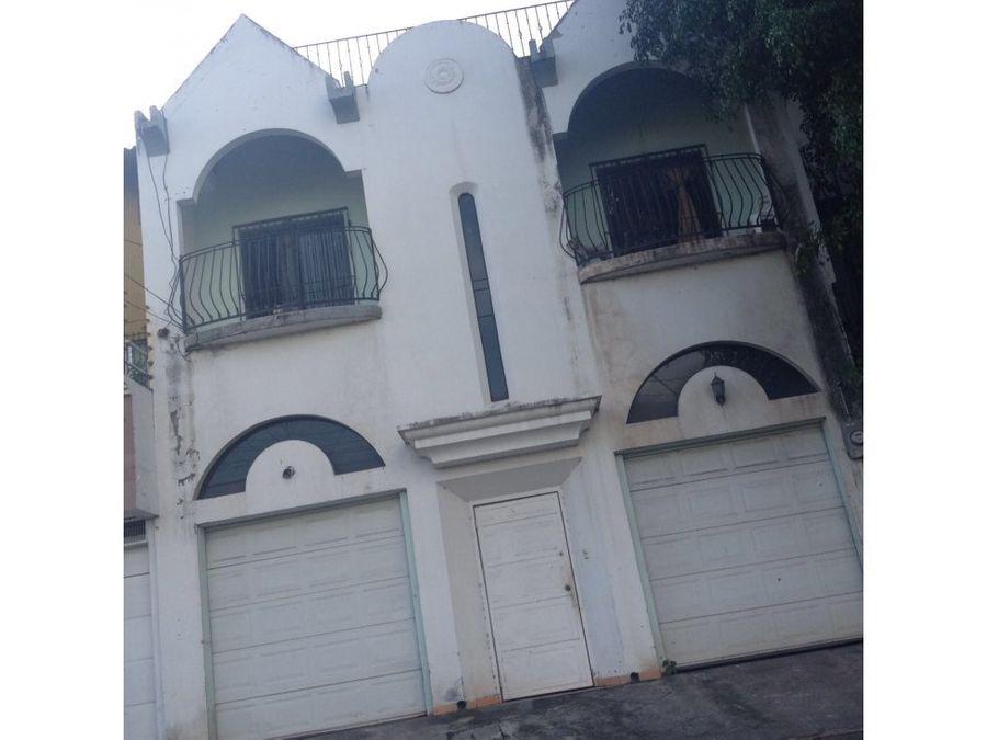 se vende casa en altos de miramontes