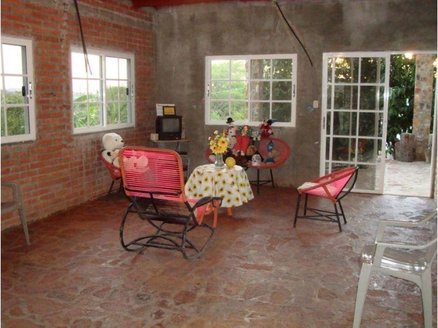 se vende casa en residencial laguna resort