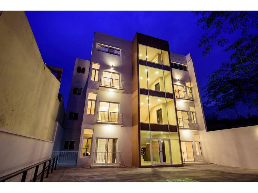 se alquila apartamento en condominios platinum