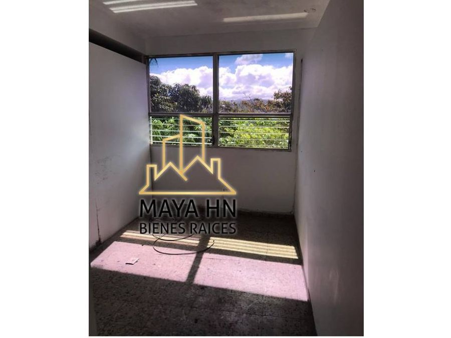 se alquilan locales comerciales en lomas del mayab