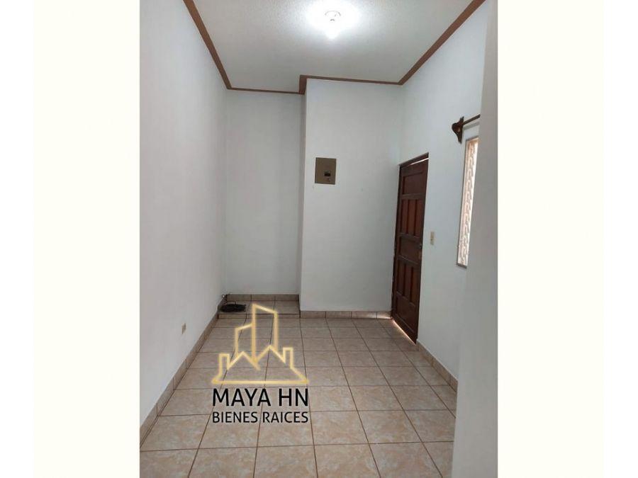 se vende bonita y amplia vivienda en col centroamerica oeste