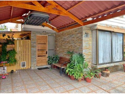 se vende hermosa casa en sector residencial de limache