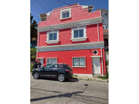 se vende casa de 3 pisos en sector de chorrillos