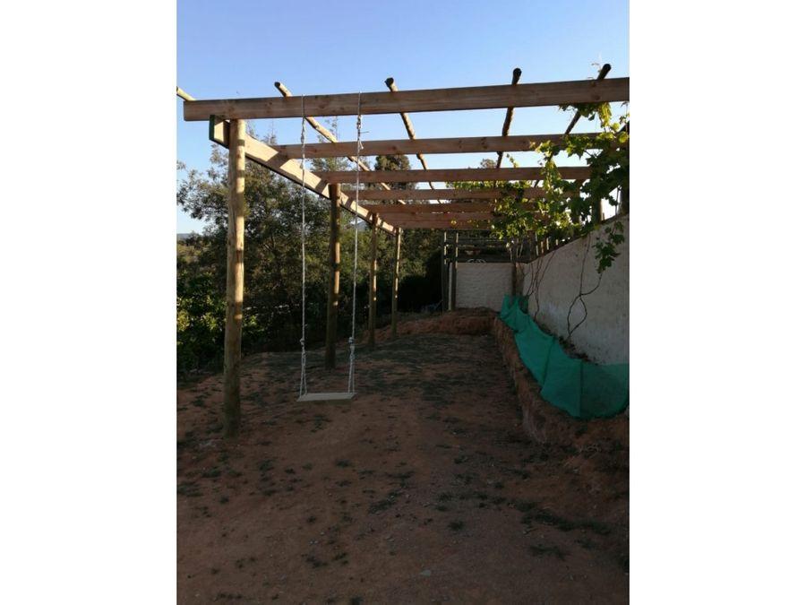 se vende gran terreno con 2 construcciones camino a san alfonso