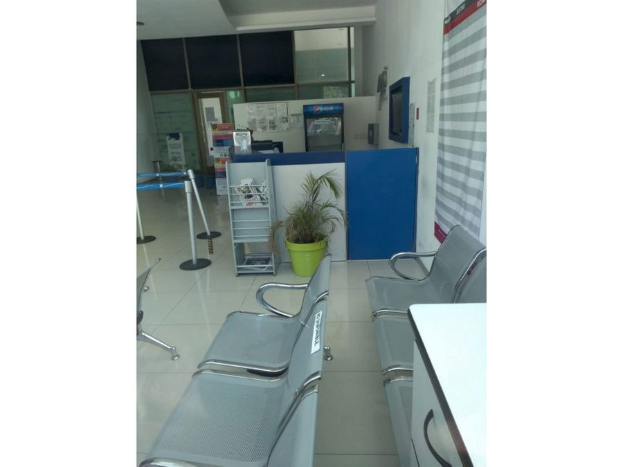local en renta en cancun plaza terraviva 90 m2 49800 mxn
