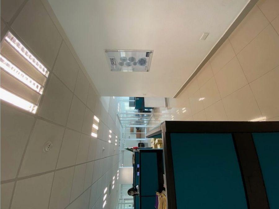 oficina en renta en cancun plaza terraviva 420 m2 140700 mxn