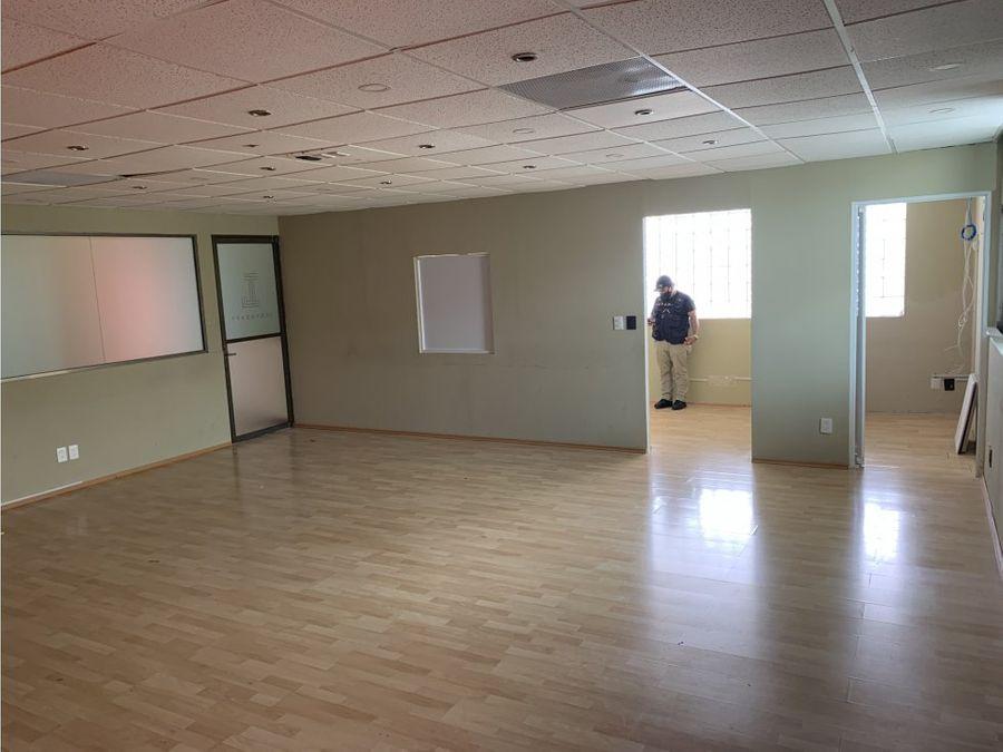 oficina en renta en cancun plaza las palmas 76 m2 16720 mxn