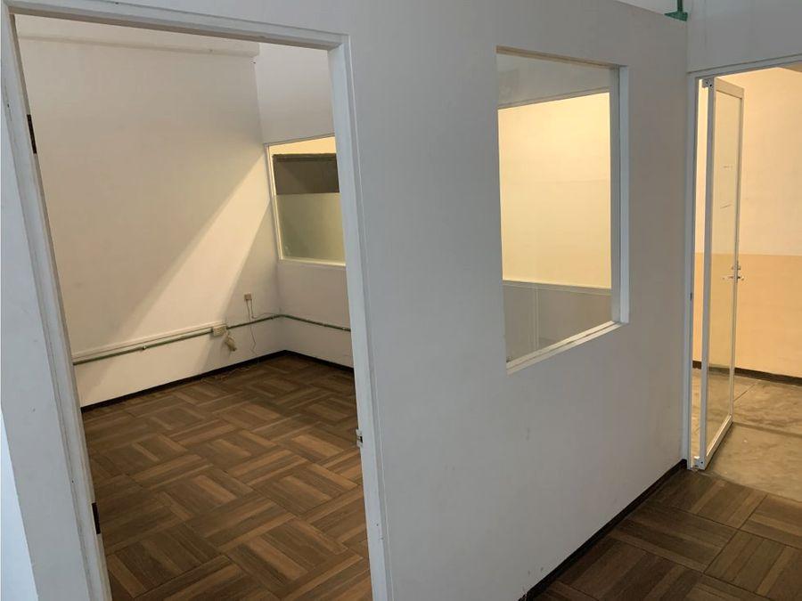 oficina en renta en cancun plaza las palmas 57 m2 11400 mxn