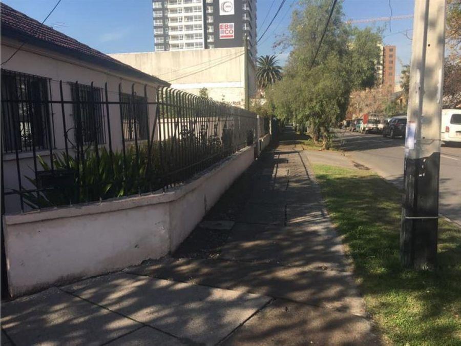vendo casa en esquina 4d 1b bodega en metro ciudad del nino