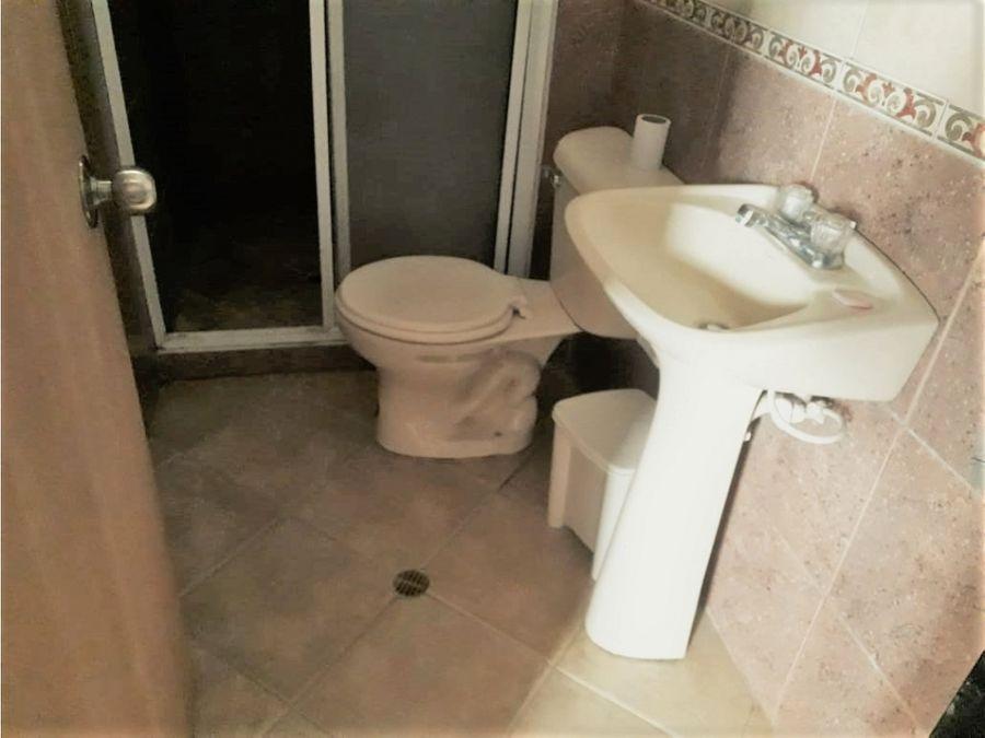 se vende casa en envigado alcala 2p