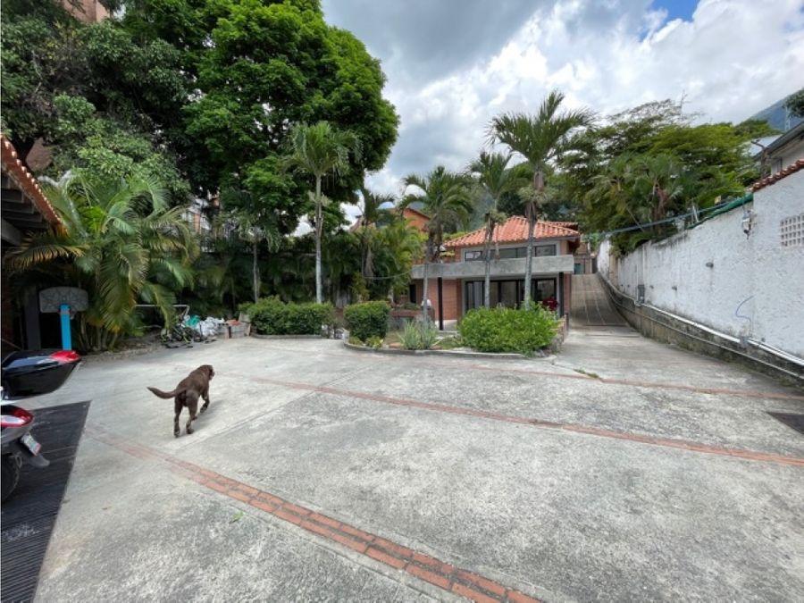 ofrezco casa en venta en la castellana norte calle cerrada