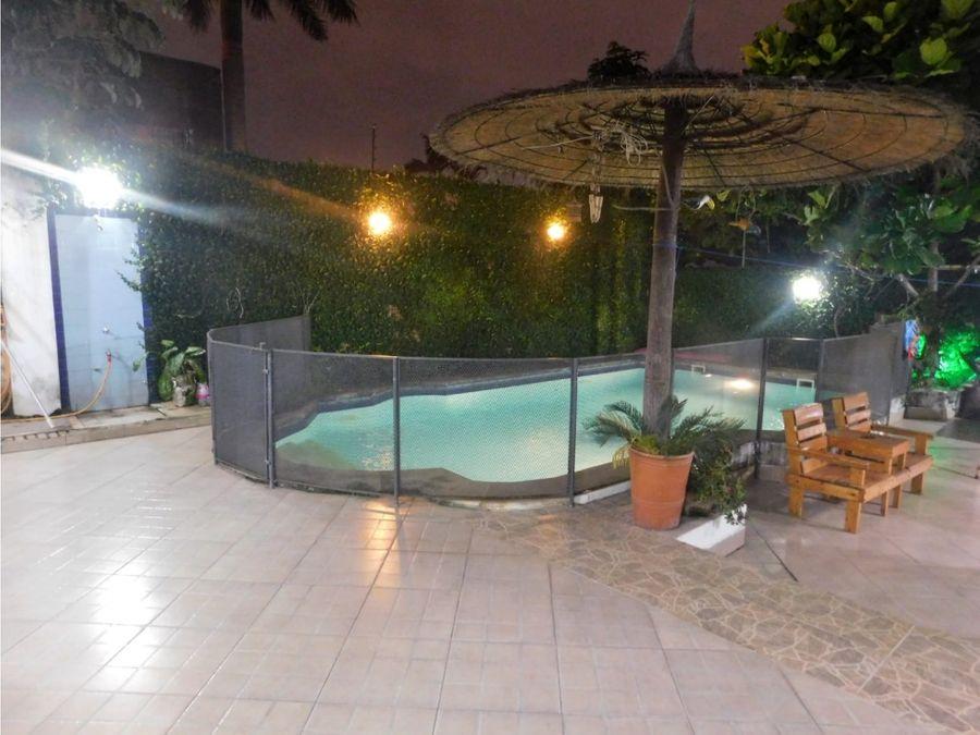 casa con 5 habitaciones y piscina