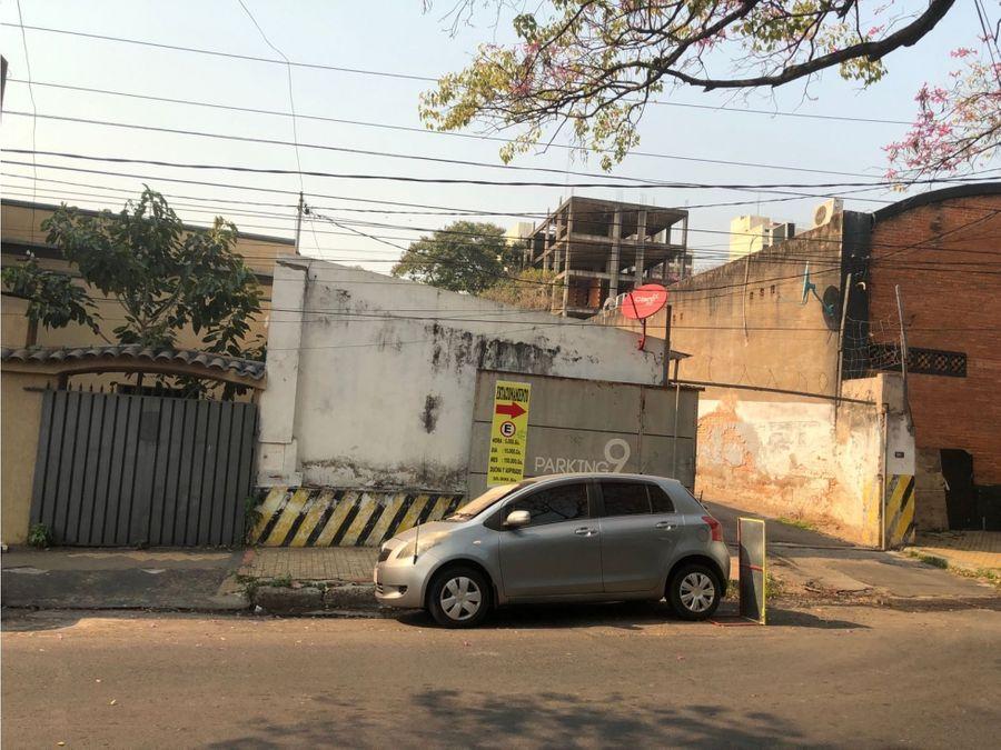 terreno en el centro para estacionamiento o edificio