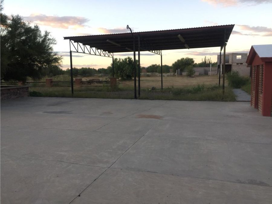 se vende terreno con construccion real del alamito