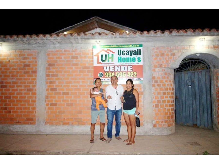 00235 venta casa yarinacocha material seminoble 220m2