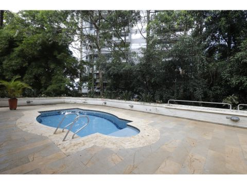 casa sector marymount con piscina perfecta para remodelar