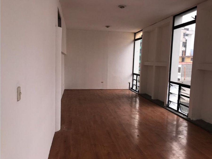 oficina entre 19 y 20 calle zona 10