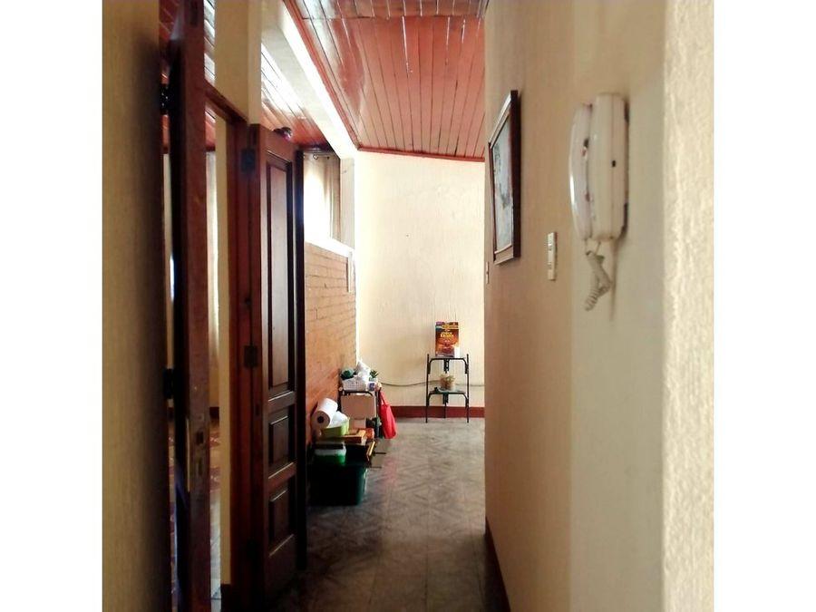 casa en esquina zona 12 reformita