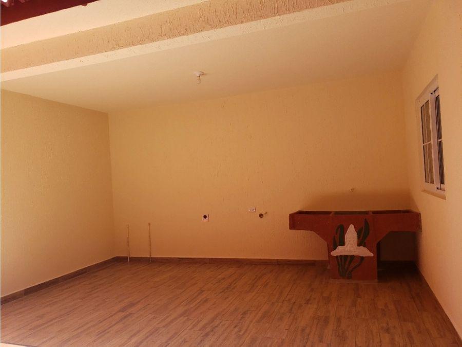 casa de 2 niveles 4 habitaciones san jose pinula