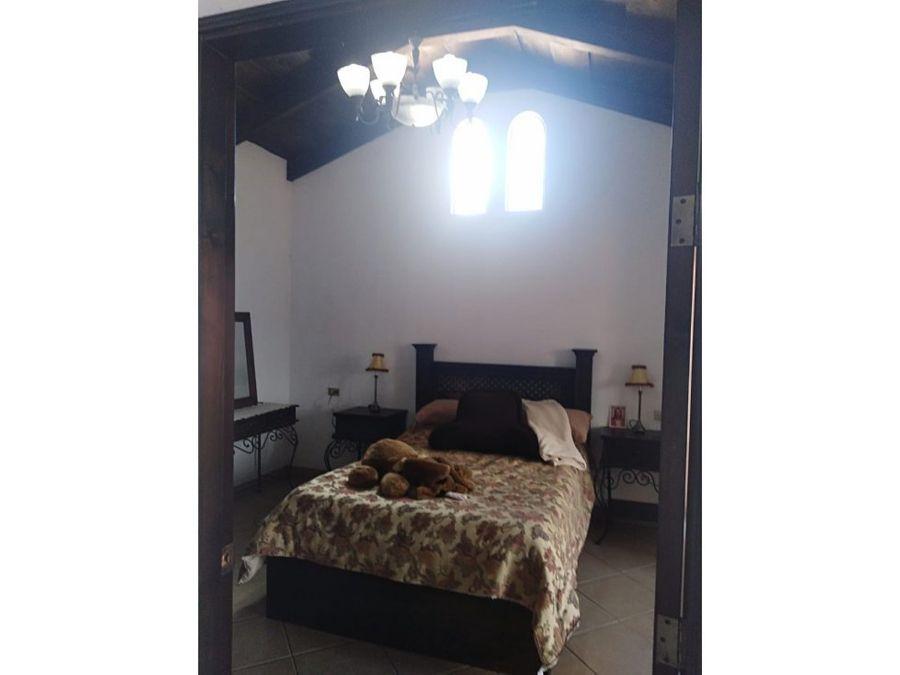 hotel o casa en santa lucia milpas altas