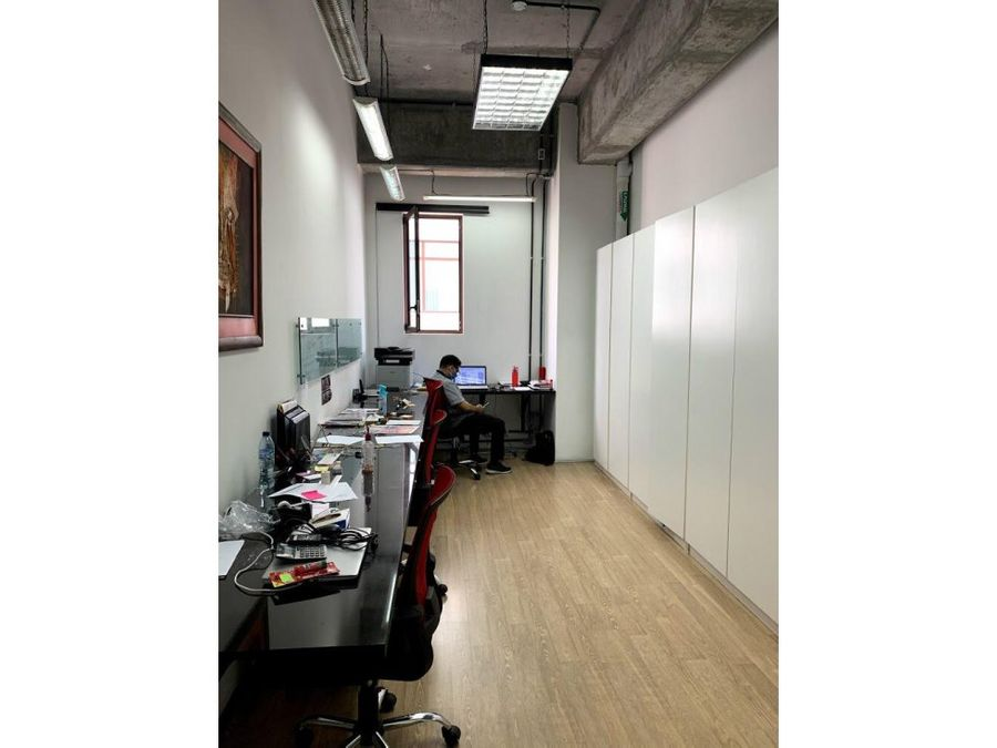 oficina zona 16 cayala