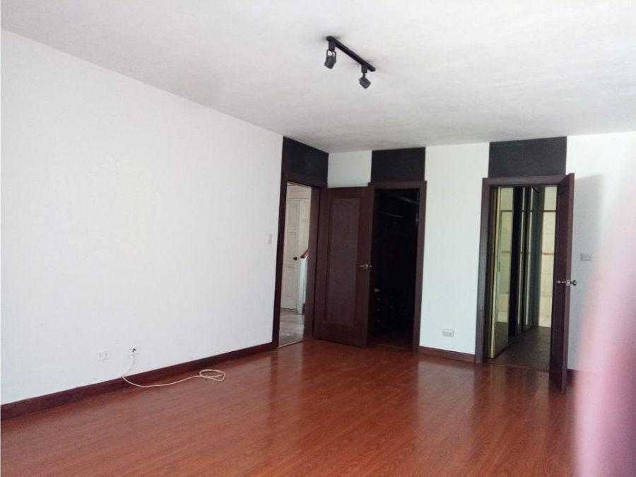 casa trebol de vista hermosa condominio alta loma ii