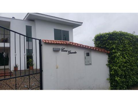se vende casa campestre en villas de apiay