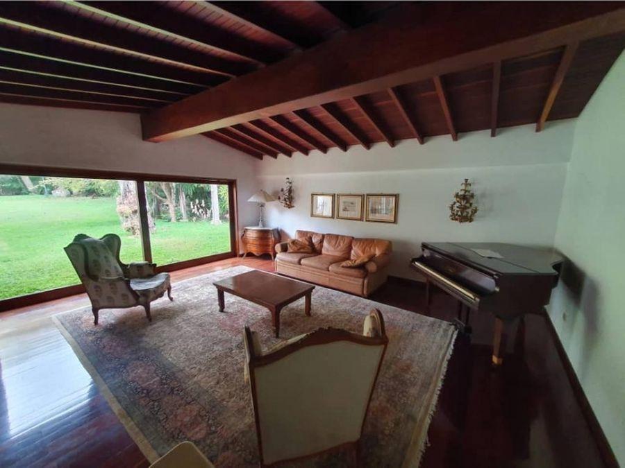 casa colonial estilo campestre hermoso jardin
