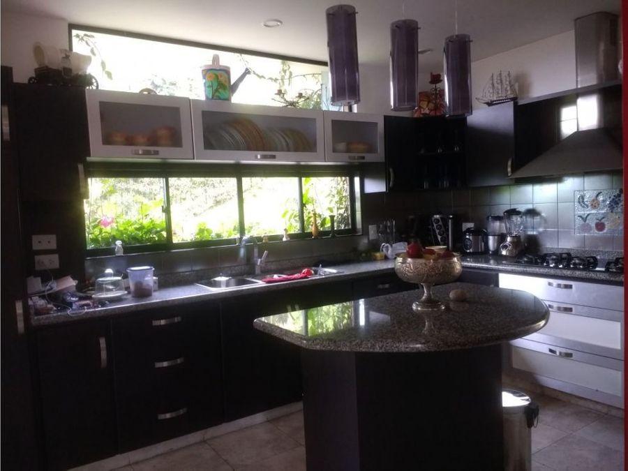 venta hermosa casa en alhambra manizales