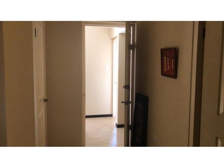 para rentar amplio apartamento en gold coast villas