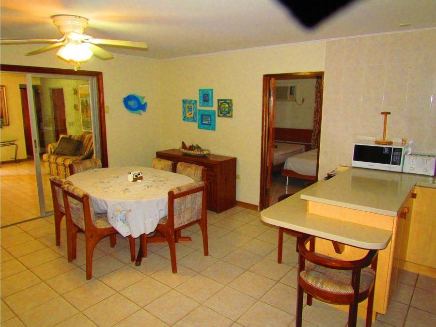 se vende casa en palm beach con 4 apartamentos independientes