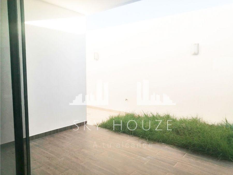 casa en venta al nor pte en st angelo residence