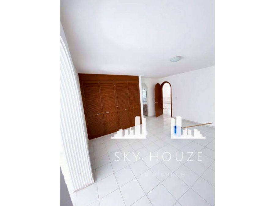 casa remodelada en venta al norte a una cuadra de blvdcolosio